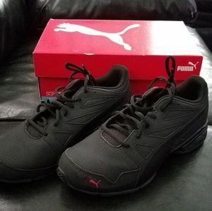 BRAND NEW MENS PUMA SHOES SIZE 9.5